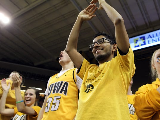 635884713920283795-IOW-1229-Iowa-mbb-vs-MSU-39.jpg
