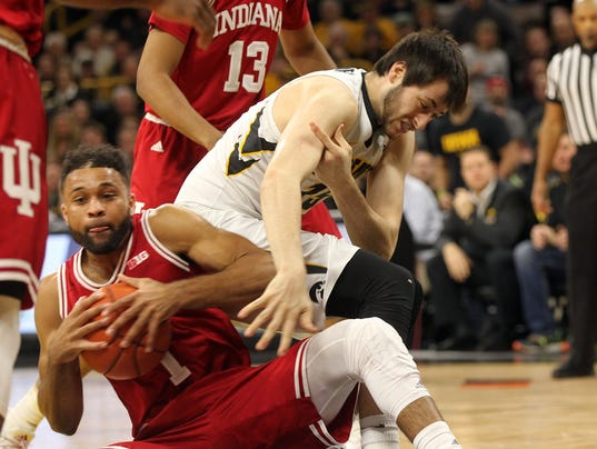 636233179950314365-IOW-0221-Iowa-vs-Indiana-mbb-07.jpg