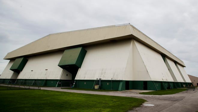 The exterior of the Lee Civic Center.