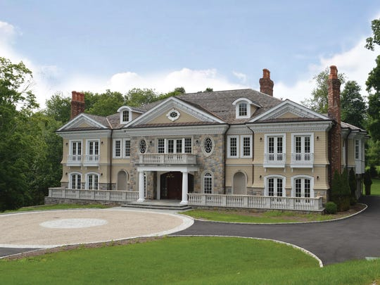 Mansion in Greenwich that is to be auctioned on Sept.