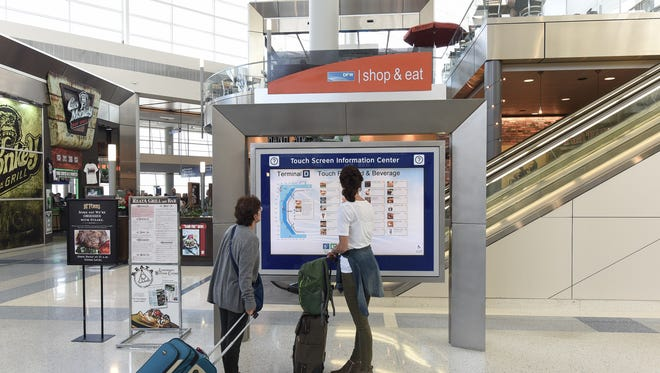 Dallas Ft. Worth International Airport has launched a suite of mobile applications that help streamline maintenance for airport workers and keep passengers updated about operations and amenities.