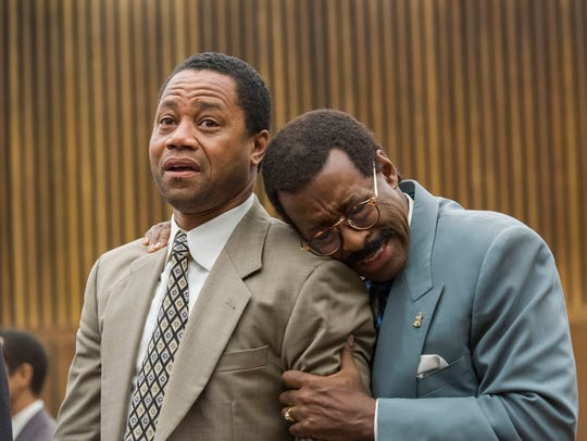O.J. Simpson (Cuba Gooding Jr.) and attorney Johnnie