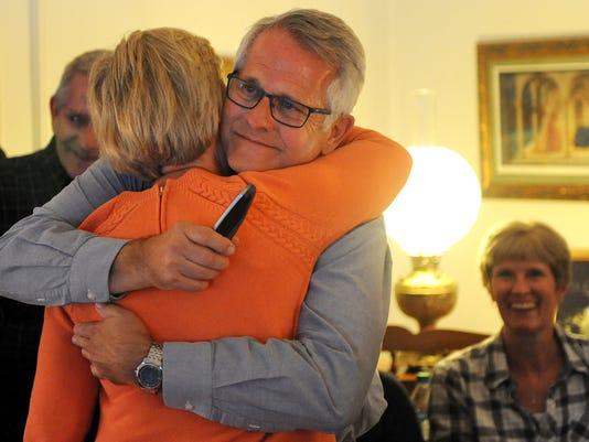 635821853285426080-Mayor-Theaker-wins-easy-re-election-1