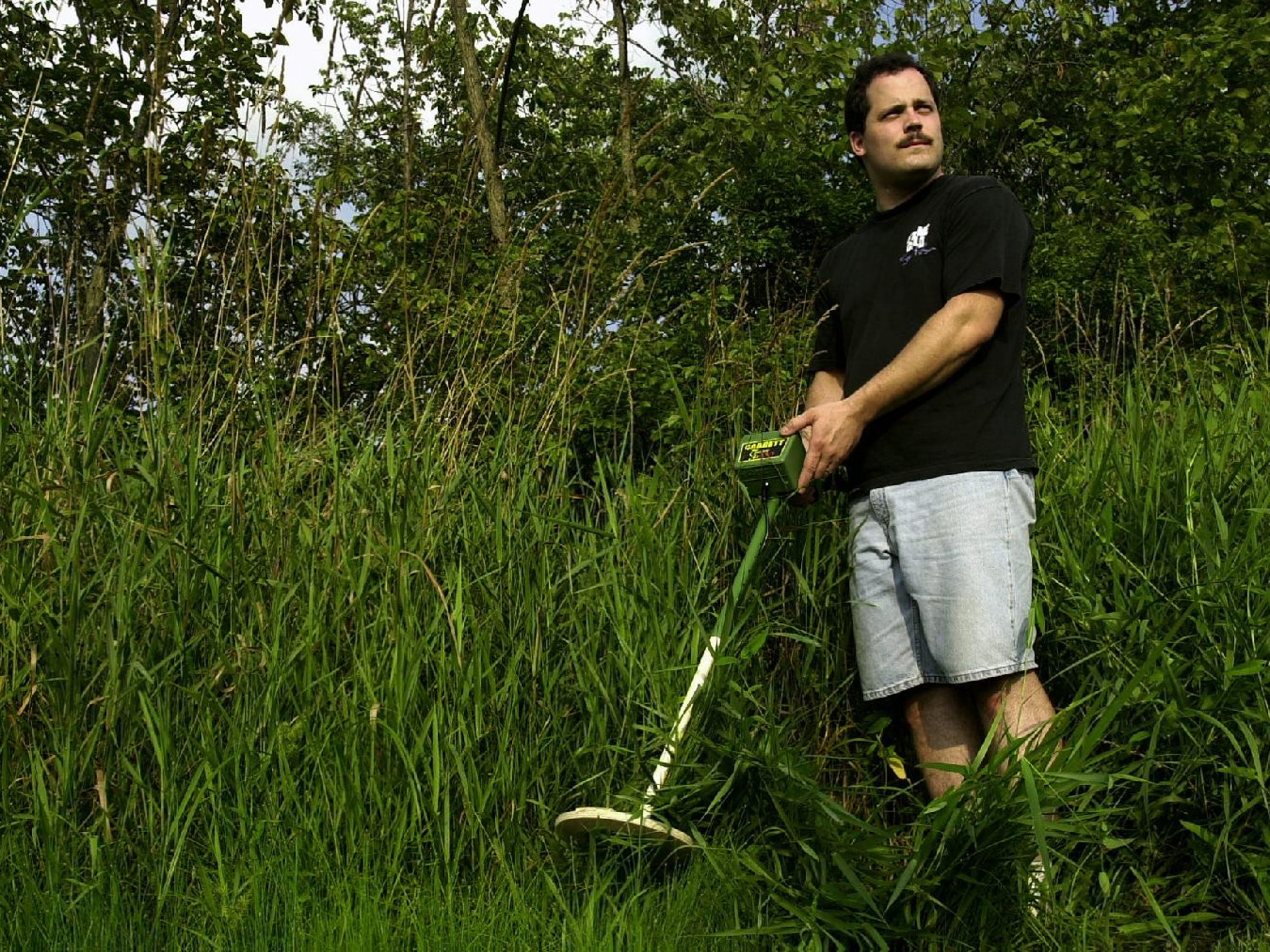 Steven Tarsia borrowed a metal detector in 2003 and