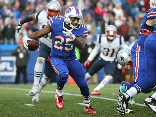 Bills running back LeSean McCoy looks to get to the
