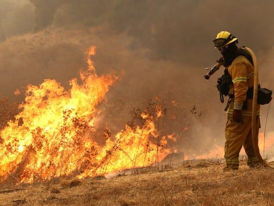CALIFORNIA WILDFIRES A USA CA