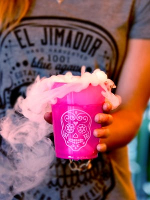 Add a little dry-ice to your Day of the Dead cocktails