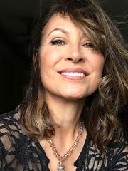 Linda Eder's Morristown show will feature both Christmas