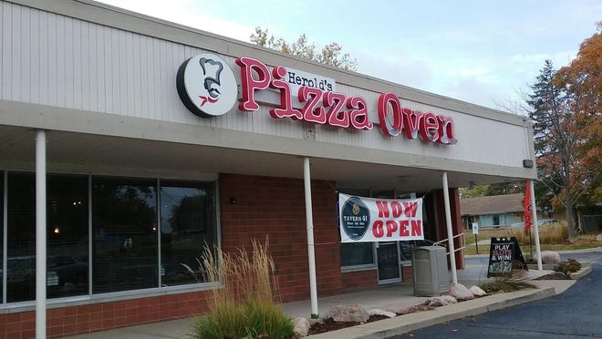 A new, slightly damaged sign is in place at Herold's Pizza Oven, the rechristened pizza restaurant in the Sterling Plaza shopping center in Peoria. The ownership of what was known as Tavern 41 has not changed.