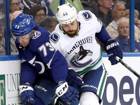 USP NHL: VANCOUVER CANUCKS AT TAMPA BAY LIGHTNING S HKN TBL VAN USA FL