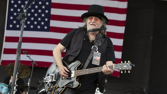 "Ray Wylie Hubbard celebrates the release of his new album ""Co-Starring"" on Friday with an 8 p.m. livestream performance from the stage of the shuttered Saxon Pub."