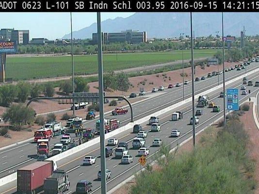 Crash closes Loop 101 in West Valley