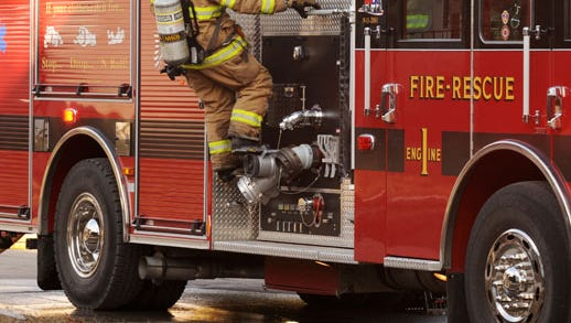 File - Manitowoc Fire Rescue Department responds to a fire.