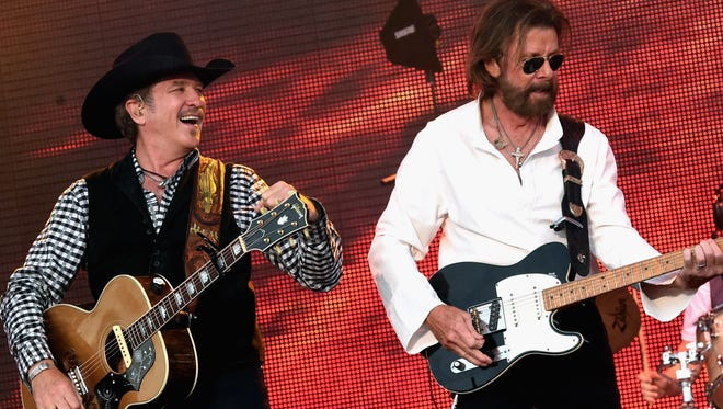 Kix Brooks and Ronnie Dunn of Brooks & Dunn perform during 2016 Windy City LakeShake Country Music Festival, FirstMerit Bank Pavilion at Northerly Island on June 18, 2016 in Chicago.