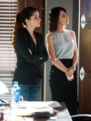 Shiri Appleby and Constance Zimmer star in the season finale of Lifetime's 'UnReal.'