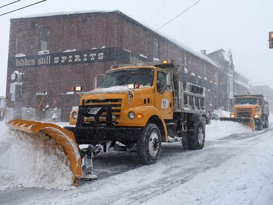 4-LDN-MKD-012316-Snow-11.jpg