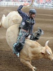 150717 jd rodeo FRIDAY03