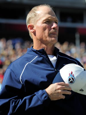 Coach Ken Whisenhunt's Titans are off to a 1-4 start for the second season in a row.