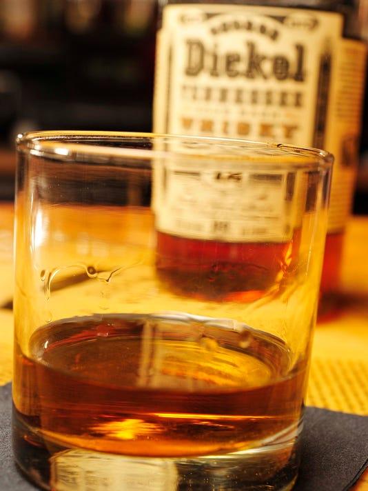 NAS-whisky-drink-05.jpg