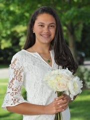 Ada Rose Wagar, Far Hills Country Day School alumna receives the Da Vinci award at George School
