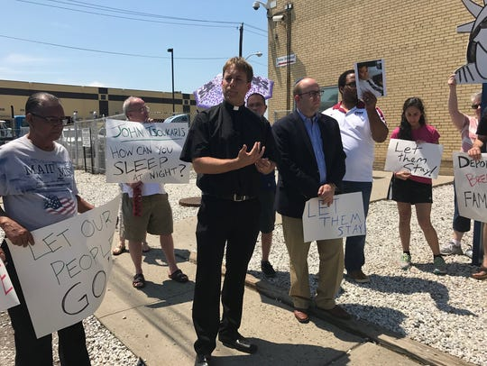 Supporters rally outside Elizabeth Detention Center