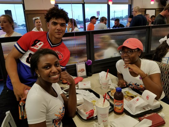 Snapple Bowl players and cheerleaders enjoyed a meal