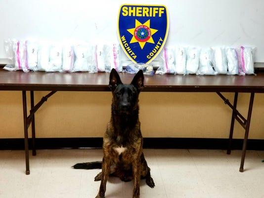 636437724568970822-meth-heroine-seized.jpg