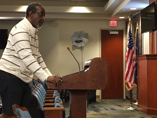 Mark Ivy speaks to the Muncie Sanitary District board