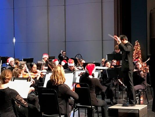636482560276317542-Christmas-concert.JPG