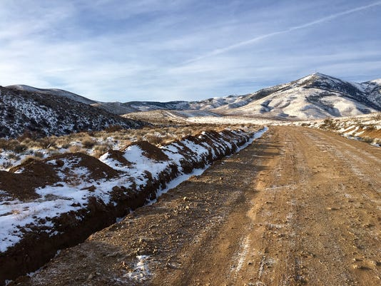 Washoe-County-Sheriffs-deputies-conduct-death-investigation-on-Peavine-Mountain.jpg