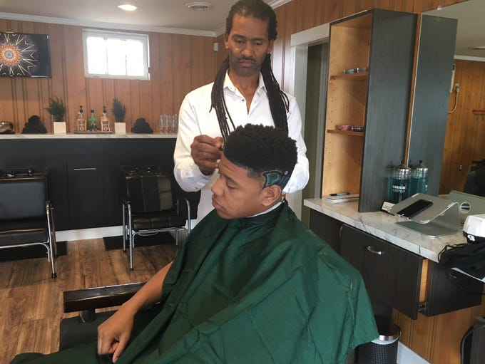 Stephen Hardin shapes up and cleans up client Alex