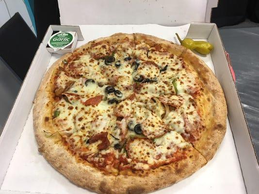 636573148255886385-Thunder-Fireworks-Pizza-1.jpg