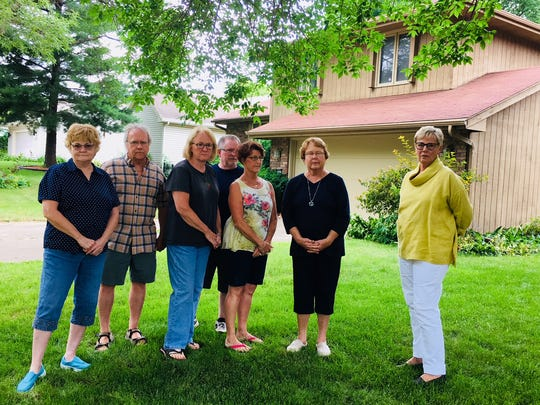 From left: Dixie and Rick Simpson, Karen Dunn, Devin Parmenter, Barb McIntire, Barb Mains and Mary Main