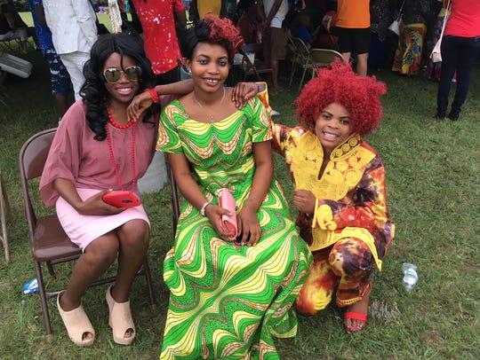 Sela Msaamba, Jackline Kashindi and Dorotea Aseba are