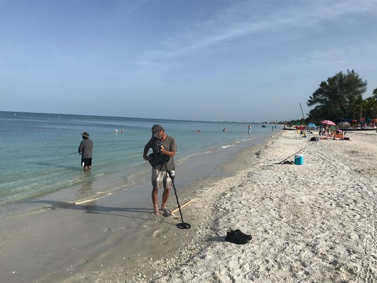 Florida Algae Crisis These Swfl Beaches Remain Free Of Algae Red Tide