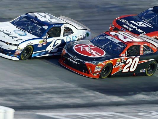 NASCAR_Bristol_Xfinity_Auto_Racing_33869.jpg
