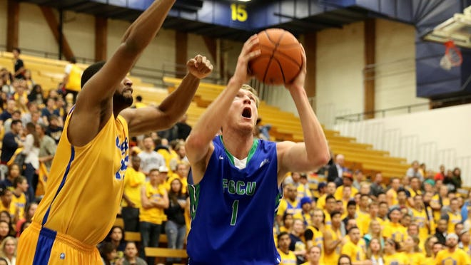 FGCU's nate Hicks puts up a shot against UCSB in Monday night's loss in Santa Barbara.