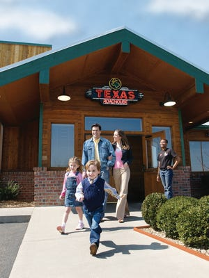 Texas Roadhouse will build a new restaurant on John Rice Boulevard, off Old Fort Parkway.