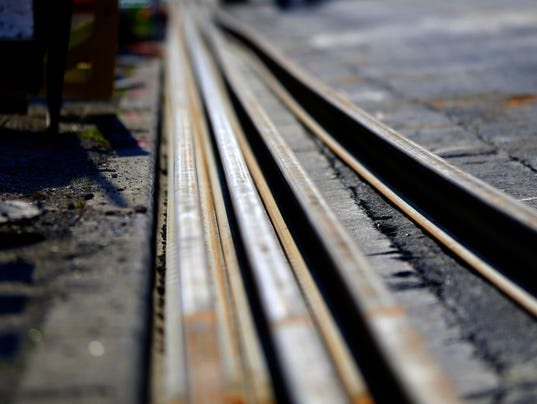 636304499689286007-streetcar-tracks-De-Sisti-838-.JPG