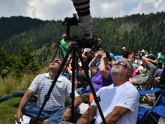 636524877687578688-Smokies-Total-Solar-Eclipse-Viewing-at-Clingmans-Dome-082117.jpg