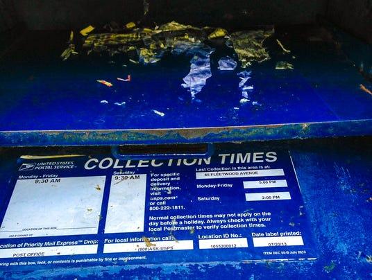 Sticky mailbox