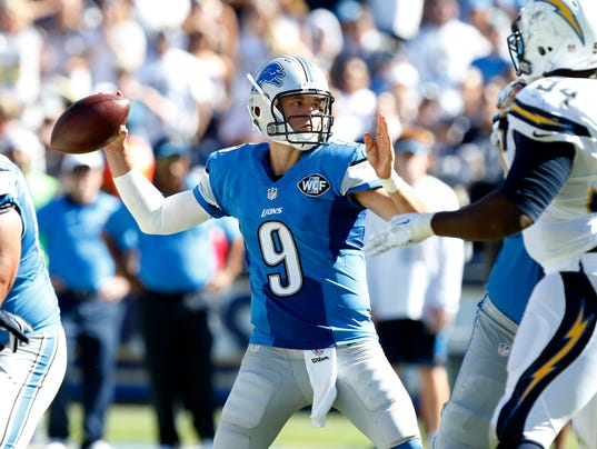 635778776770856023-AP-Lions-Chargers-Foo