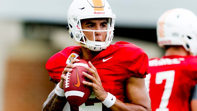 Tennessee Vols quarterback Jarrett Guarantano (2) lines up a pass during  practice Tuesday, Oct. 10, 2017, at Anderson Training Facility.
