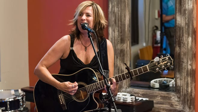 Philadelphia singer-songwriter Christine Havrilla will perform at The Swell Tiki Bar & Grill in downtown Rehoboth Beach from 7 to 10 p.m. Wednesday, Nov. 22.