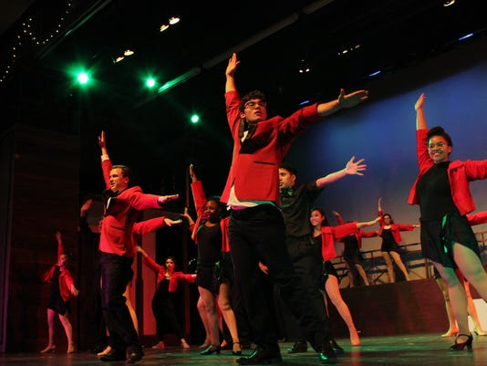 White-dance-show