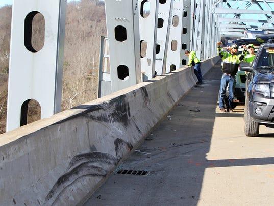 Cincinnati Car Crash Ohio River