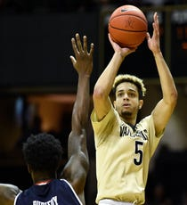 22d79d115bca Injury ends Fisher-Davis  Vandy career