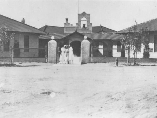 Chandler Grammar School (1912)