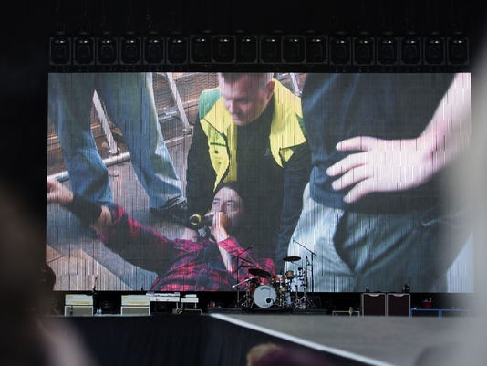 Dave Grohl on back