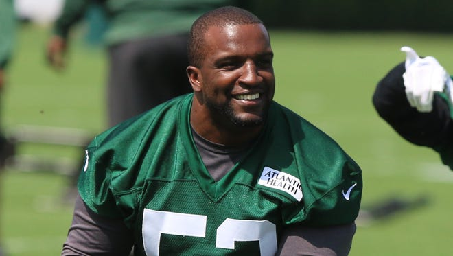 Veteran linebacker David Harris is the longest-tenured player on the Jets roster.